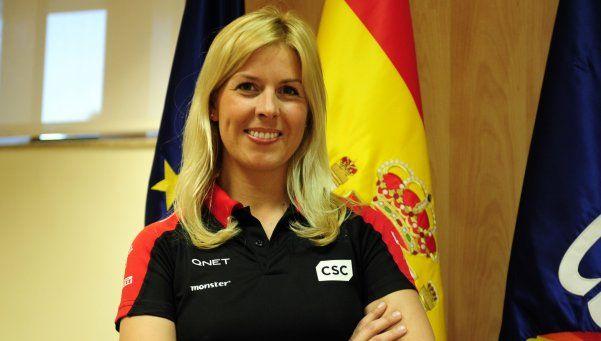 Mujer piloto de pruebas de Fórmula Uno sufre grave accidente