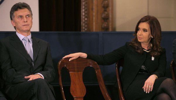 Cristina no irá al Congreso ni entregará los atributos a Macri