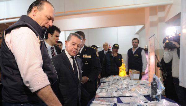 Desbaratan una banda de narcos con contactos en Europa