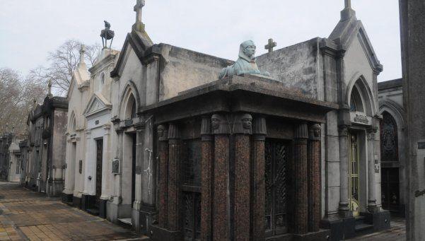 Mató a su pareja, dejó al hijo en un geriátrico y se suicidó en un cementerio