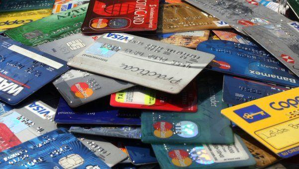 Buscan recortar comisión que cobran las tarjetas