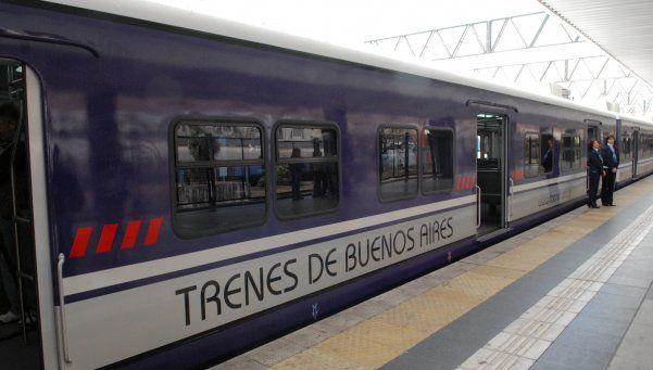 Tren Sarmiento con demoras por conflicto con personal de limpieza