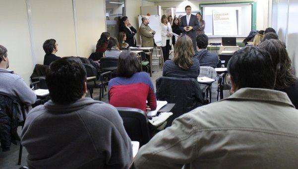 Alumnos de primer año inician las clases en febrero