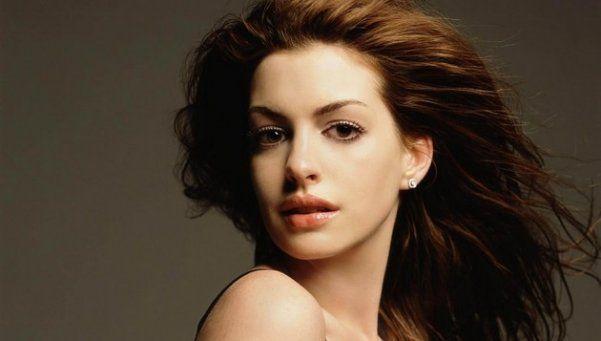 La actriz Anne Hathaway será mamá