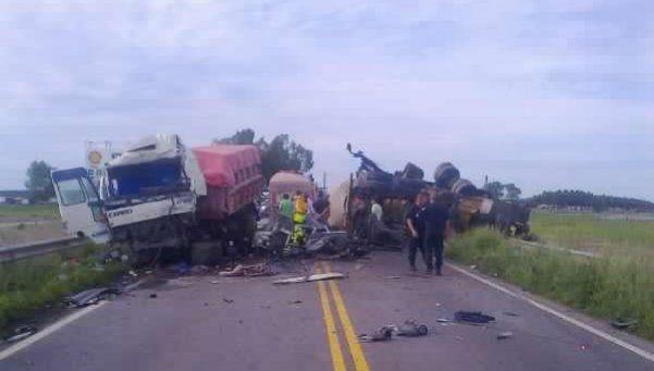 Un muerto en un choque frontal de camiones en Ruta 3