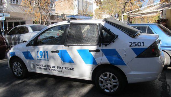 Asesinaron a un hombre con un tenedor: sospechan de una prostituta