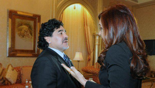 Mirá el regalo que le mandó Maradona a Cristina