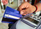 Prorrogan hasta fin de año la devolución del iva por compras con débito