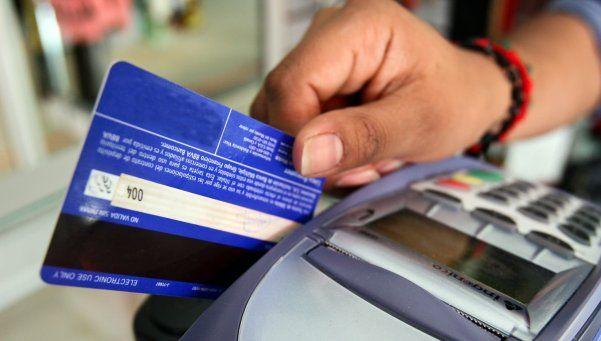 Desde abril, cajas de ahorro y tarjetas de débito serán gratis