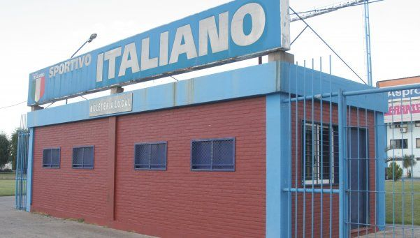 Sportivo Italiano busca un delantero y un volante ofensivo