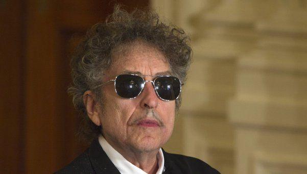 Bob Dylan no irá a recibir el Nobel de Literatura