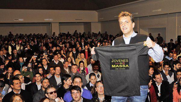 Massa presentó su proyecto para empleo joven