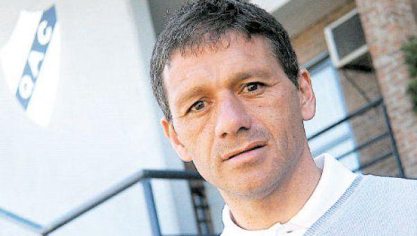 Nelson Vivas será el reemplazante de Milito