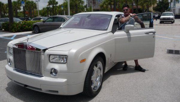 Venden el Rolls Royce de Ricardo Fort