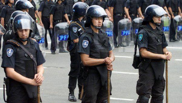 Oficializan aumento de sueldo a las fuerzas de seguridad