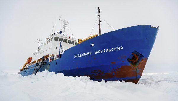 Ecólogo argentino recibe el año varado en la Antártida