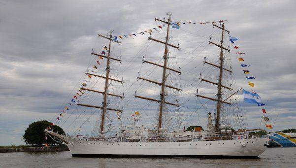 La Fragata Libertad llega a un puerto europeo tras siete años