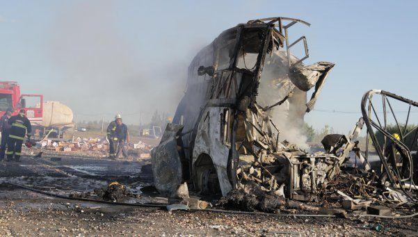 Tragedia de Mendoza: el video del choque entre el micro y el camión