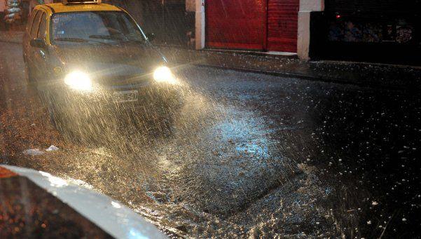 Después de las primeras lluvias, se mantiene el alerta metereológico