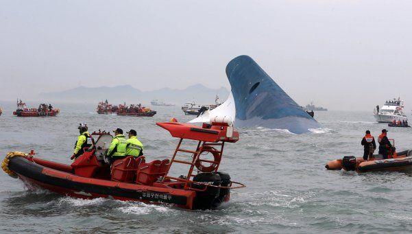 Barco coreano: ya son 6 los muertos y hay 290 desaparecidos