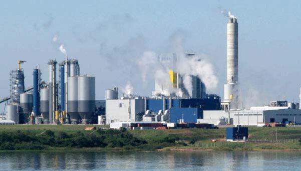 El monitoreo reveló que la ex Botnia contaminó el Río Uruguay