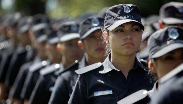 Cien mil uniformados custodian la elección