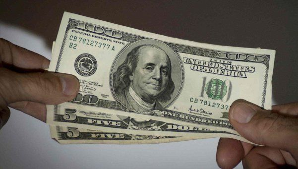 Dólar blue no tiene freno: finalmente llegó a $15
