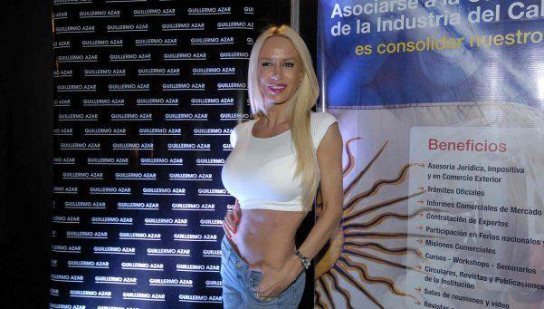 Luli Salazar se pasa del pop a la cumbia