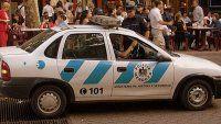 Insólito: un policía borracho le robó la billetera
