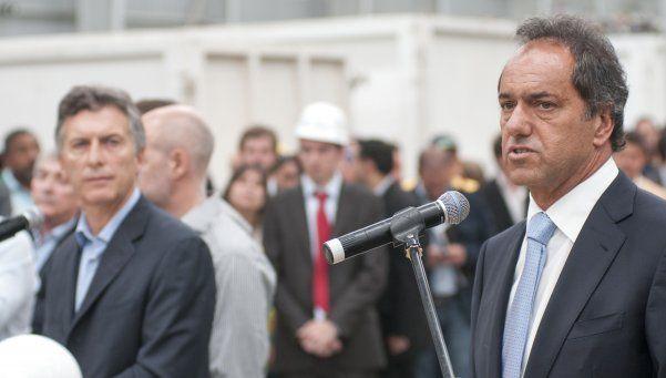 Scioli y Macri repudiaron el atentado en París