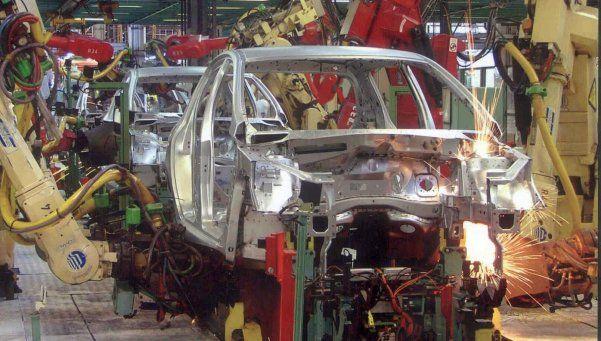 Una planta automotriz suspendió a 300 operarios