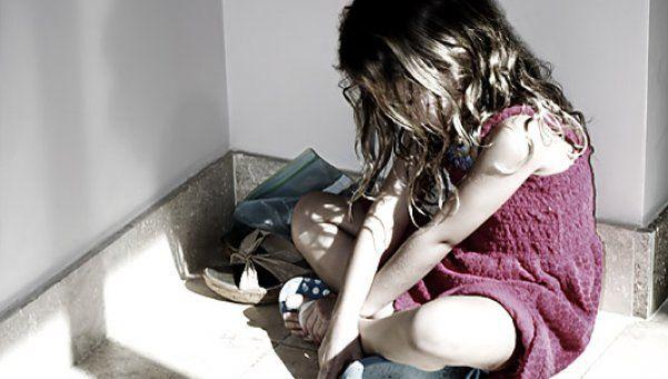 Dos niñas fueron abusadas por su padrastro y una tuvo un bebé