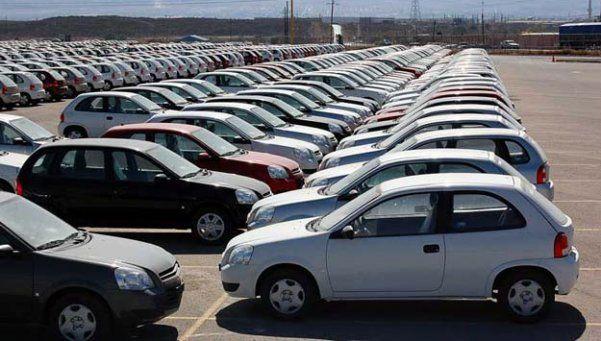 La producción de autos se desbarrancó un 12% en 2015