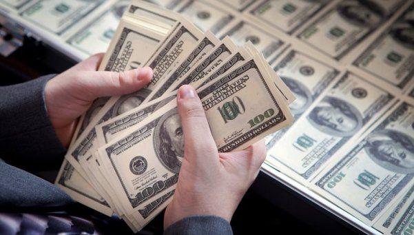 El dólar aumentó más de 50 centavos y supera los $14