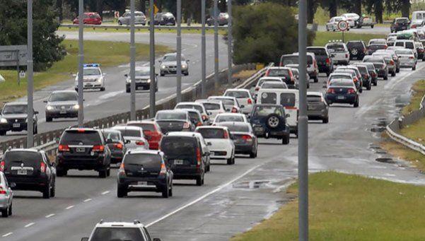 Comenzó el regreso: más de 5 mil autos desde la Costa a Capital