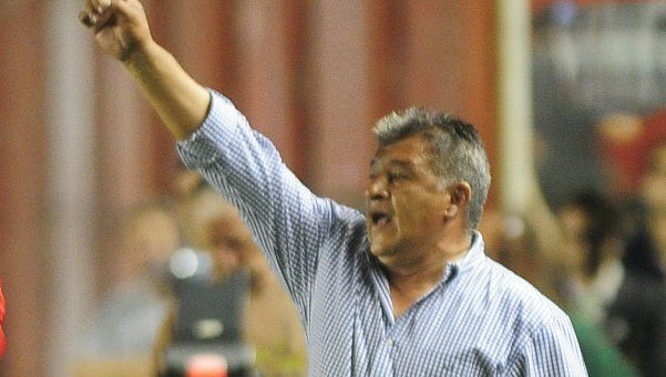 Claudio Borghi renunció como técnico de Argentinos Juniors