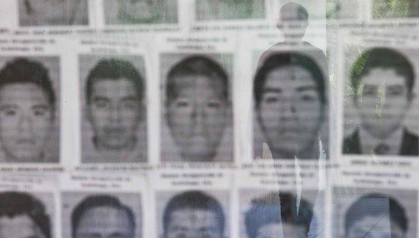 México: 17 cuerpos de estudiantes habrían sido quemados