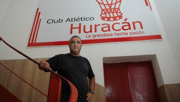 Ahora sí, Néstor Apuzzo será el entrenador de Huracán