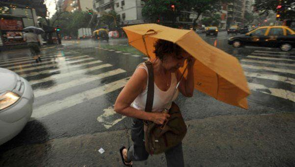 Alerta por tormentas fuertes en Capital y norte de la Provincia