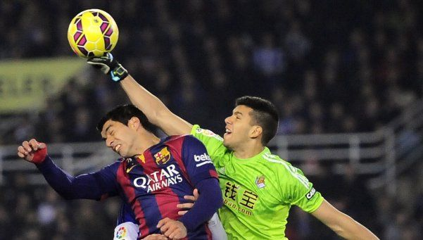 Rulli, en el medio de la pulseada entre Guardiola y Klopp