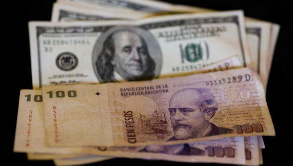 El dólar siguió bajando y llegó a 14,85 pesos