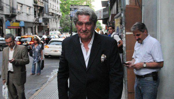 Armando Pérez, entre reclamos y el anuncio de un paro