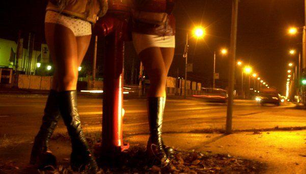 Trabajadoras sexuales reclaman que no multen a los clientes