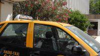Piden captura internacional para el taxista acusado de violación