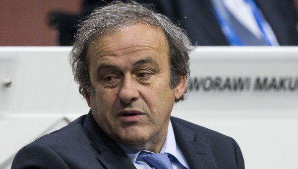 Comité de ética de FIFA pide expulsar de por vida a Platini