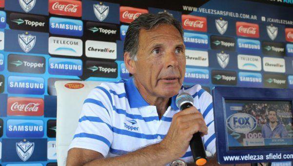 Russo dejará de ser el entrenador de Vélez al final del torneo