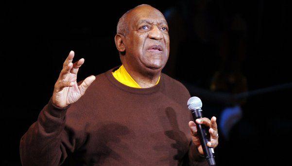 Procesan y ordenan detención de Bill Cosby por violación