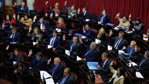 Investigarán complicidades económicas con la dictadura
