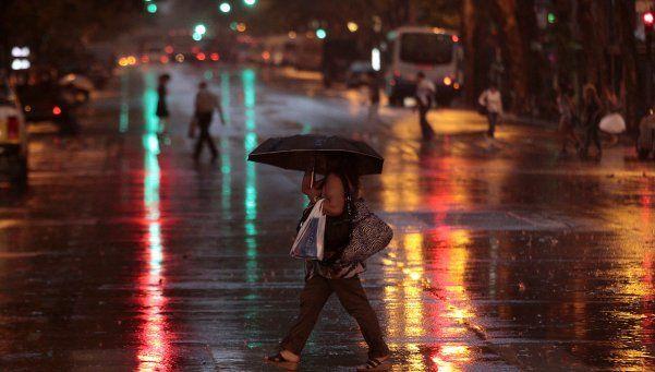 Rige alerta por fuertes tormentas en la Ciudad y la Provincia