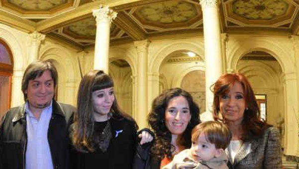 Hotesur: piden identificar cuentas de Cristina, Máximo y Florencia